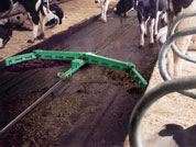 Image of an automatic slurry scraper (cable)